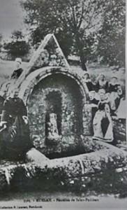 St Roch et St Philibert. dans Fontaine à voûte- moelan-philibert-182x300