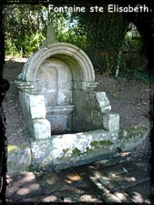 Elisabeth sans couronne. dans Fontaines sacrées- ste-elisabeth-225x300