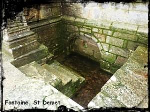 Le Vaillant. dans Fontaine accolée- Plozevet-font-st-Demet-300x225