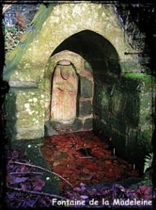 Madeleine bien cachée. dans Fontaine de dévotion Font-de-la-Madeleine-223x300