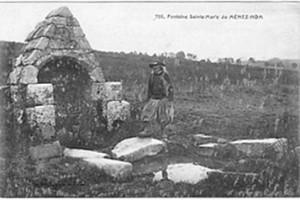 Belle abandonnée. dans Fontaine de dévotion plomodiern-ste-marie-du-menez-hom-300x200