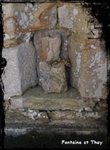 cleden-cap-sizun-pte-du-van-st-tey-220x300 dans Fontaine mur-
