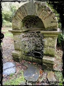 La Trinité. dans Fontaine de guérison landeleau-font-225x300