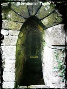 Oh rage ! dans Fontaine à voûte- Brasparts-font-st-Tugenb-225x300