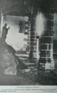 Lieu sacré de Edern. dans Fontaine de dévotion lanneder-edern-183x300