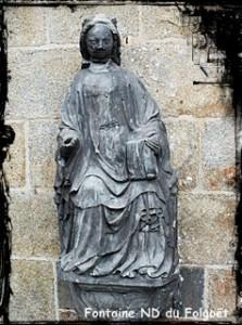Vierge en majesté. dans Fontaine de dévotion nd-du-folgoet-223x300