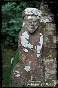 Guimiliau-st-Miliau-200x300 dans Fontaines sacrées-