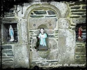 En marche pour réussir. dans Fontaine avec toit en bâtière- Anastasie-300x240