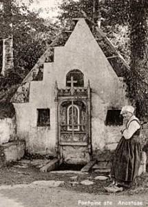 lampaulg-stanastase-215x300 dans Fontaine de dévotion