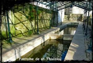 Une aiguille pour la vertu. dans Fontaine accolée- Landivisiau-300x204