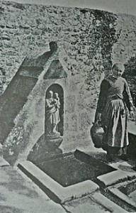 Trois fontaines, une dévotion. dans Fontaine de dévotion plougoulm-192x300