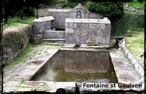 le fils de Gologwen. dans Fontaine de guérison Goulven-fontaine_saint_goulven__Lavoir-300x194