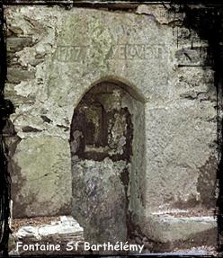 L'apôtre. dans Fontaine de dévotion Le-Ponthou-font-St-Barthelemy