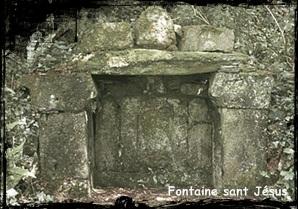 Abreuvoir. dans Fontaine de dévotion Plouezoch-font-sant-Jésus