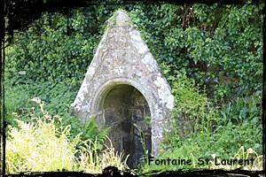 Pitié pour Notre Dame. dans Fontaine de dévotion Plouguerneau-saintlaurent