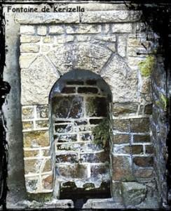 Au bourg. dans fièvres- fontaine-botsorhel-244x300
