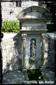 guerlesquin-ste-barbe-196x300 dans Fontaine pignon-