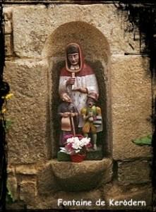 plouguerneau-kerodern1992-221x300 dans Fontaine de dévotion