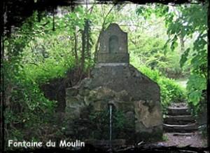 Eau courante. dans Fontaines profanes- plourin-les-morlaix-font-du-Moulin-blanc-300x218