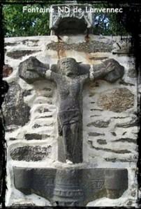 Avec du vieux on fait du neuf. dans Fontaine de dévotion ND-de-Lanvennec-202x300