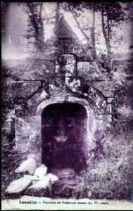 Notre Dame dépouillée. dans Fontaine à voûte- lannilis-troberou-189x300