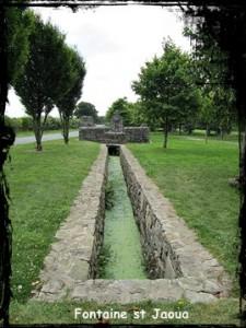 Le repos du pèlerin. dans Fontaine de guérison Font-Jaoua-225x300