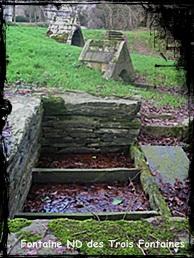 Fontaine antique. dans allaitement- Gouezec-ND3Fontaines2MK