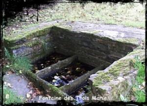 Gouezec-trois-marie-300x216 dans Fontaines sacrées-