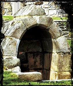 Sans eau. dans Fontaines sacrées- Le-Relecq-font-ste-Barbe