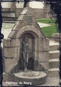Sainte trilobée. dans Fontaine à voûte- Plouguin-font-du-bourg