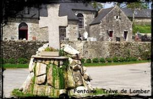 L'étonnante fontaine du rond-point ! dans Croix fontaine- Ploumoguer-Trève-de-Lamber-300x194