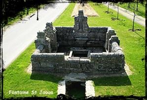 Plouvien-font-St-Jaoua dans Fontaine monumentale-