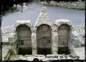 Trinité-300x217 dans Fontaine pignon-