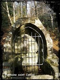 Saint en cage. dans Fontaines sacrées- fontaine-St-Conval-et-forêt-du-Cranou-Hanvec