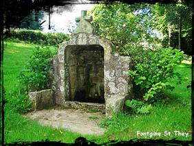 A flan de coteau. dans Fontaine de dévotion Poullan-sur-Mer-font-St-They