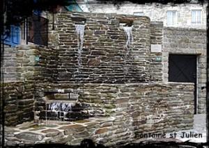 Ne pas s'y fier. dans Fontaine monumentale- chateauneuf-du-faou-font-st-julien1-300x213
