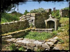 Le village du moulin. dans Fontaines profanes- gourlizon-moulin-kerveil-300x223